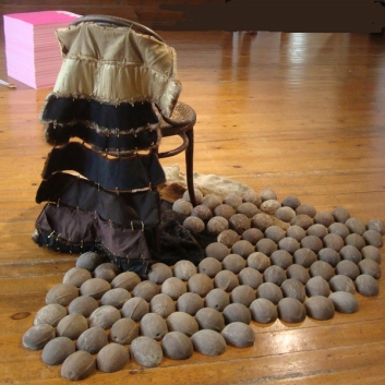 Chaise assiégée the Furry Flying Chair 2014 Chantal RAGUET (5)