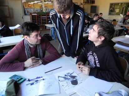 création des gargouilles avec les élèves chaudronniers , l'artiste et le professeur (1)
