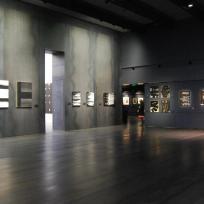 Brous de noix, gouaches et encres, Pierre Soulages ; musée Soulages, Rodez ; photo © Julie Lourgant