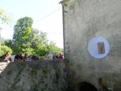 """2015 vernissage au moulin de la Guillou, à Lalinde, de """"Corridor"""", oeuvre de Jean-Luc BICHAUD (3)"""