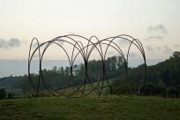 """""""Les Frères"""", Pierre LABAT ; rond-point de la Roque, Creysse ; Biennale EPHEMERES 2015"""