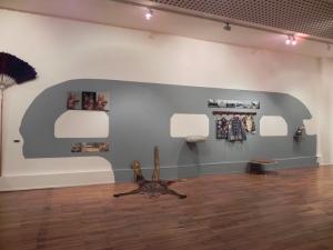 """""""Caravane bleue"""", remorque Assomption, Chantal RAGUET ; exposition KARAVAN, Espace culturel François Mitterrand, Périgueux, 2016"""