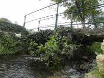 le pont sur le Marie, en grosses dalles de pierre