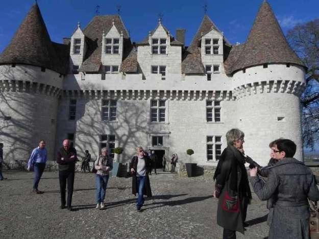 2016 Exposition Yves CHAUDOUËT Vernissage du 2 avril ; dans la cour du Château de Monbazillac