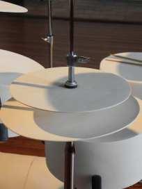 """""""batterie fragile"""", Yves CHAUDOUËT, 2016 ; exposition Château de Monbazillac ; ©Les Rives de l'Art ; créée en collaboration avec la céramiste et des élèves de l'Ecole Supérieure d'Art des Pyrénées"""
