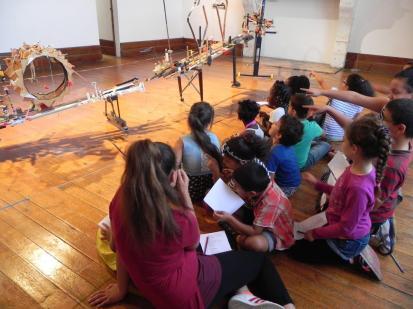2016 ateliers en famille à Monbazillac : présentation de l'œuvre de J FRATEUR