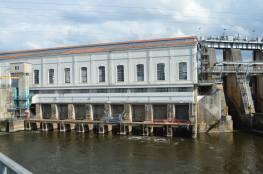 l'usine hydro-électrique EDF de Tuilières