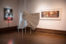 De G à D :« le volatile », Alain Séchas ; « Expériences de vol » de Kristina Depaulis ; « The Big Sleep », Christoph Rütiman à l'arrière
